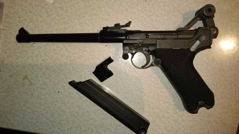 9)Огнестрельный Р08 (артиллерист)