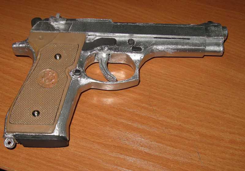 9)Бумажный пистолет
