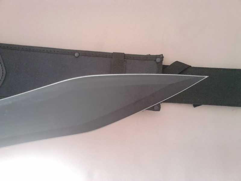 6)В полку гладиев прибыло: United Cutlery Combat Commander Gladiator - гладий в стиле модерн.
