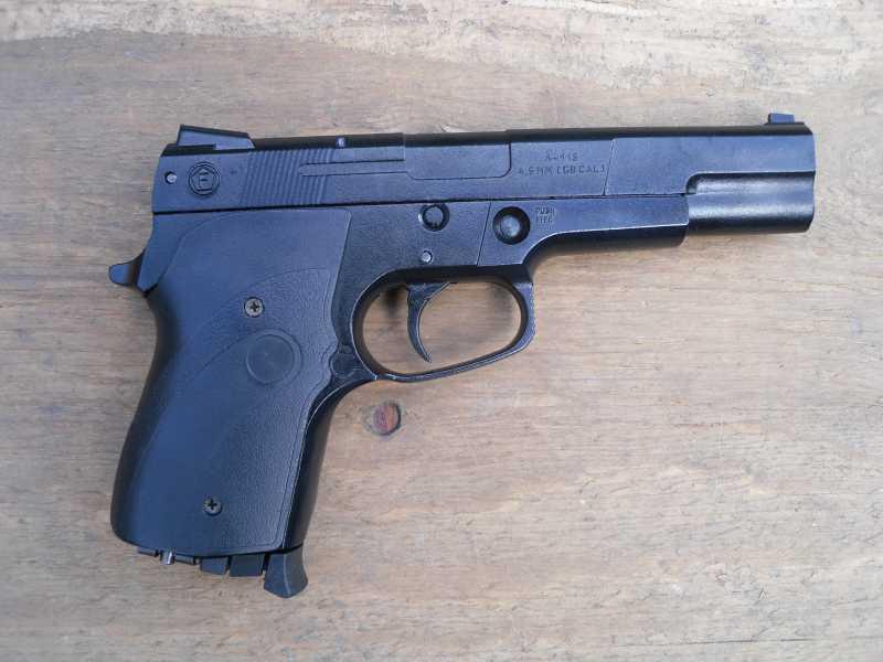 2)Аникс А-112