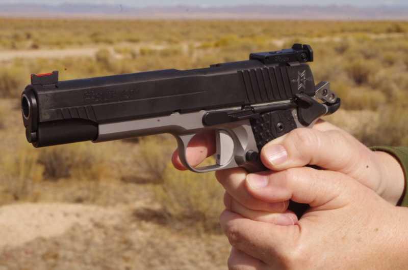 3)Новый пневматический пистолет Sig Sauer 1911 Max