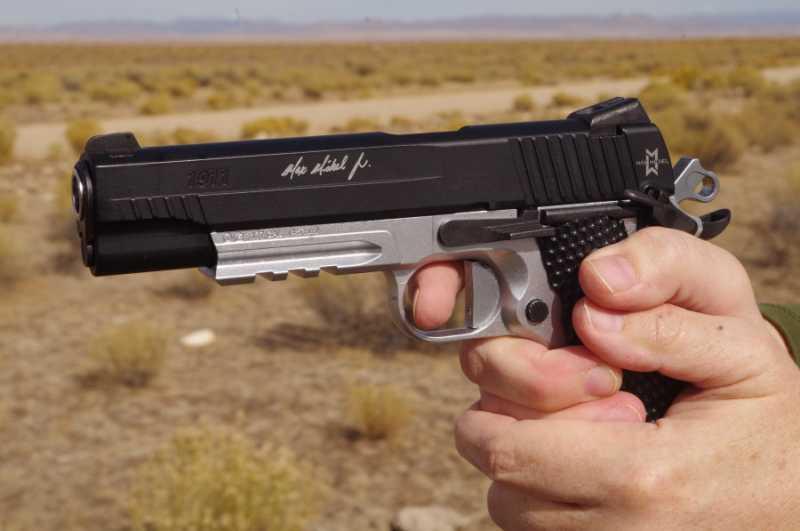 4)Новый пневматический пистолет Sig Sauer 1911 Max