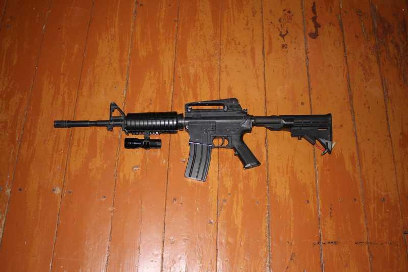 2)Страйкбольная винтовка M4A1 D-Boys