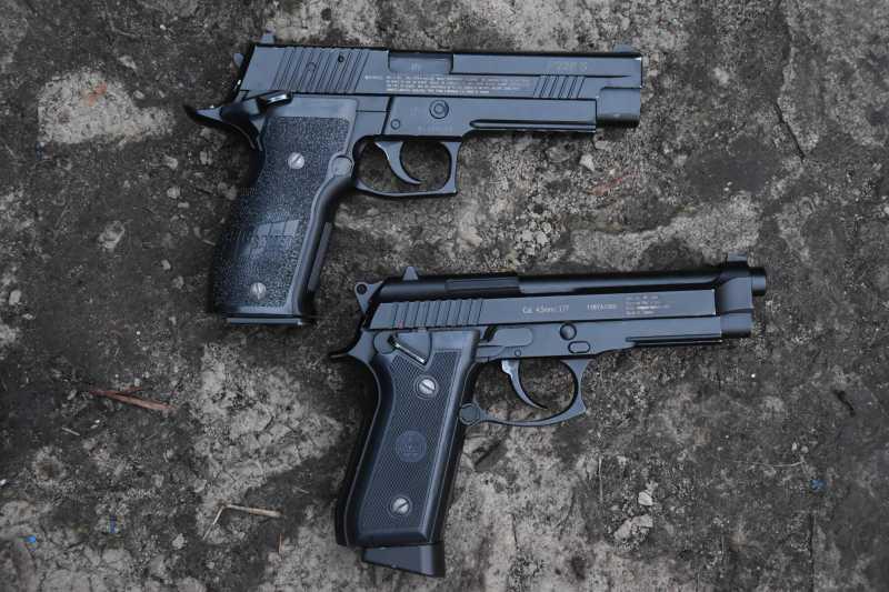 12)Beretta vs Sig Sauer