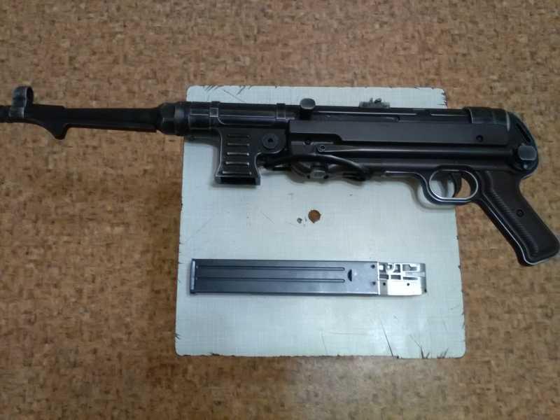 4)Немецкое чудо пневмо версия МР-40.