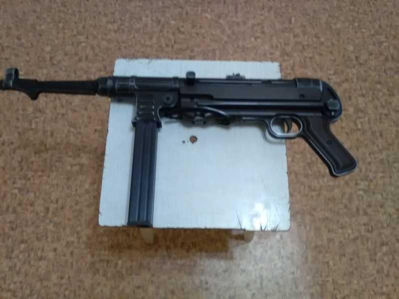 5)Немецкое чудо пневмо версия МР-40.