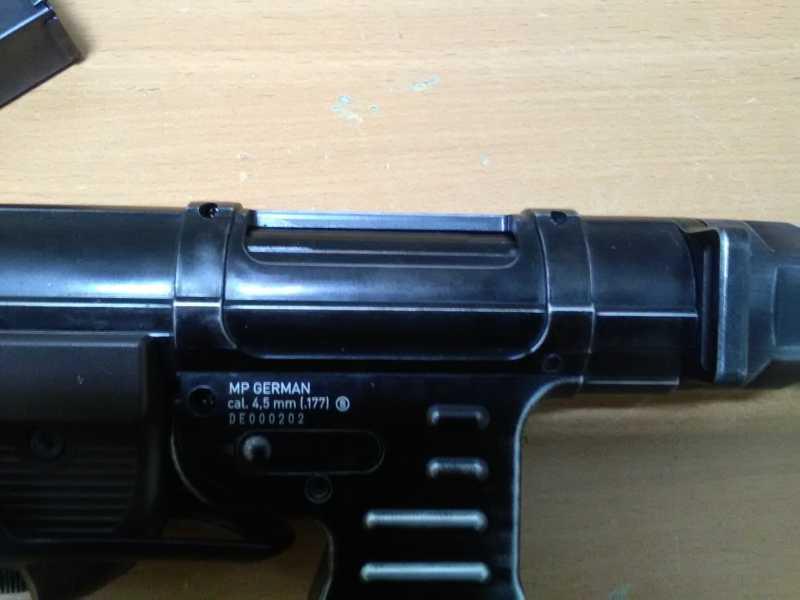 16)Немецкое чудо пневмо версия МР-40.