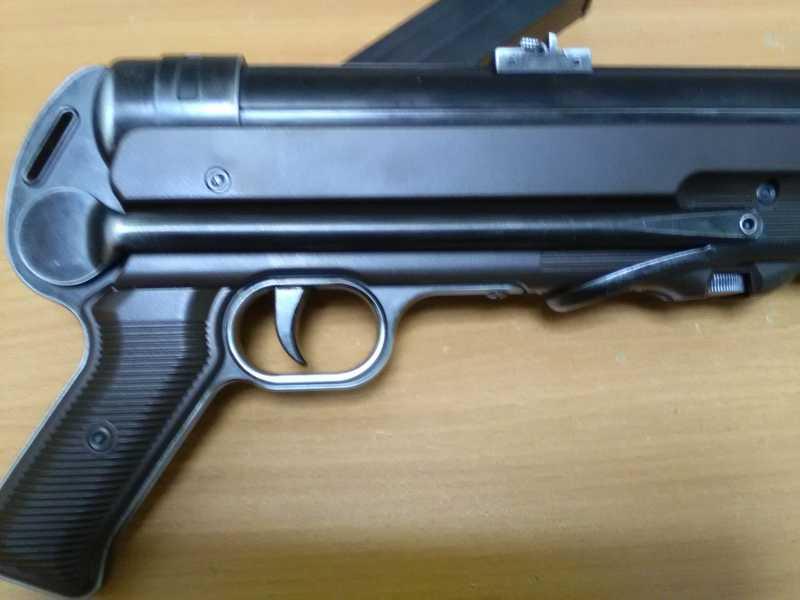 18)Немецкое чудо пневмо версия МР-40.