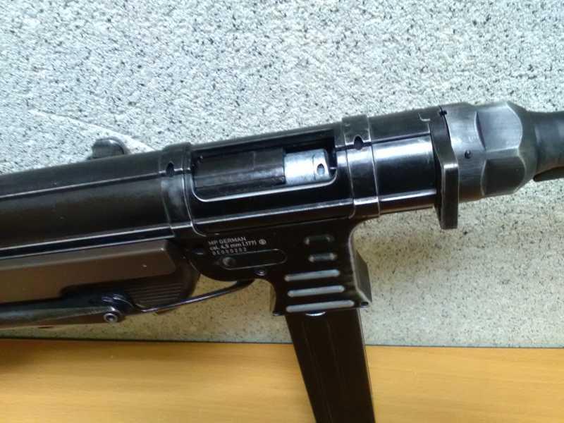 21)Немецкое чудо пневмо версия МР-40.