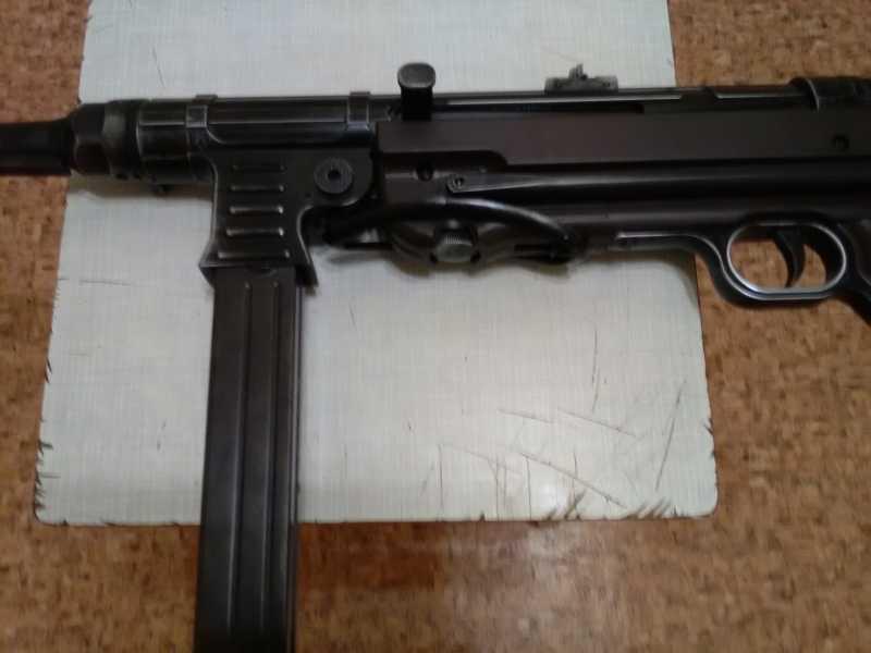 12)Немецкое чудо пневмо версия МР-40.