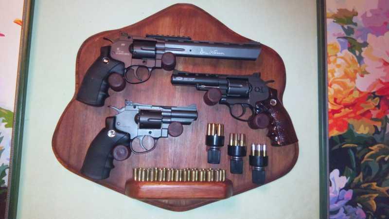 12)«Щит» для револьверов.
