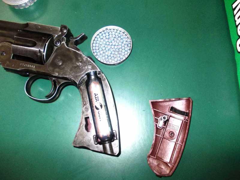 43)Пневматический пулевой револьвер ASG Schofield-6, его достоинства и недостатки
