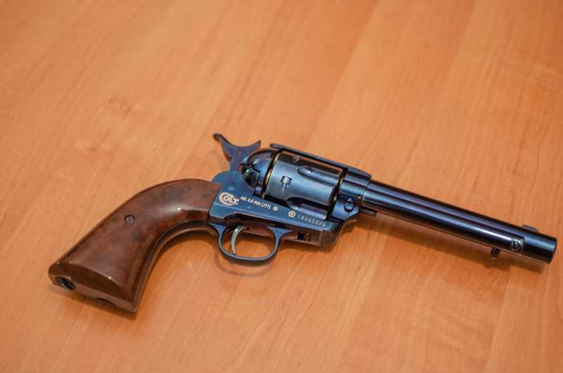 6)Обзор и впечатления о Umarex Colt Single Action Army (Миротворец, Фронтир, Шестизарядник)