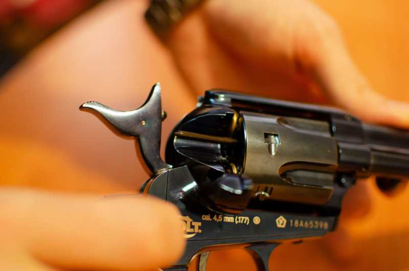 29)Обзор и впечатления о Umarex Colt Single Action Army (Миротворец, Фронтир, Шестизарядник)
