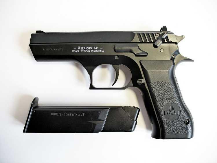 10)Пневматический пистолет Cybergun Jericho 941: Взгляд и первое знакомство.