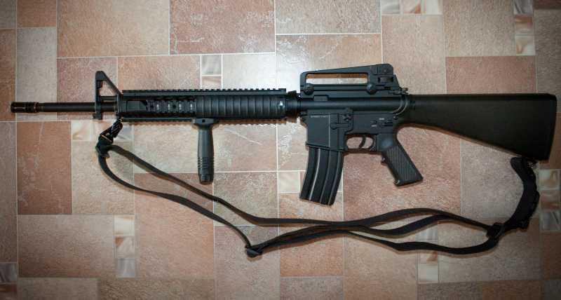 11)D-Boys - M16А4 R.I.S. (0041-369-5581M)