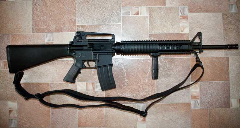 12)D-Boys - M16А4 R.I.S. (0041-369-5581M)
