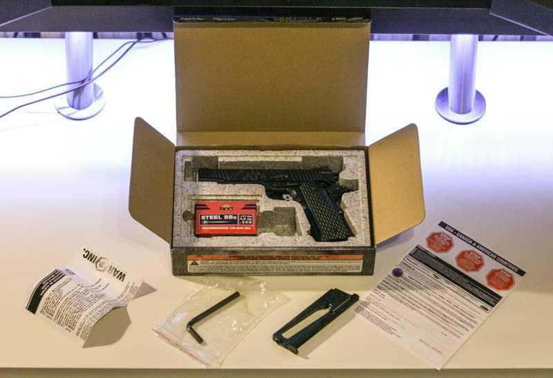 4)Пневматический газобаллонный пистолет Swiss Arms BW1911 R2