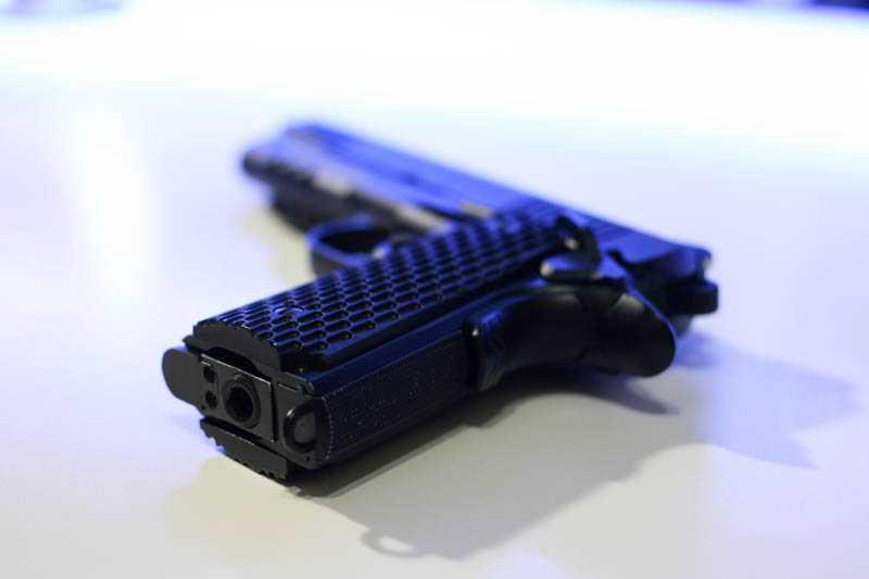 5)Пневматический газобаллонный пистолет Swiss Arms BW1911 R2