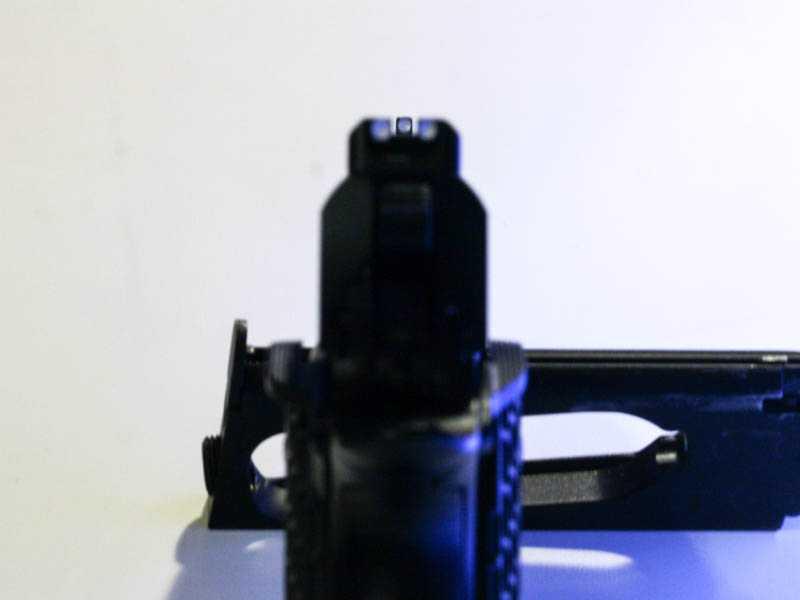 6)Пневматический газобаллонный пистолет Swiss Arms BW1911 R2