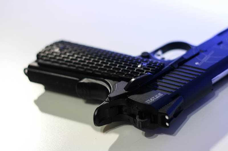 7)Пневматический газобаллонный пистолет Swiss Arms BW1911 R2