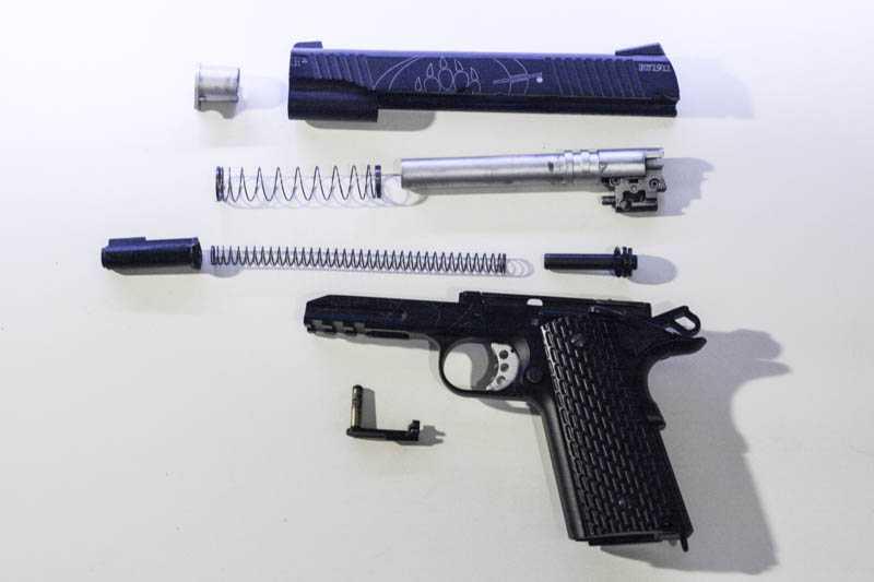 9)Пневматический газобаллонный пистолет Swiss Arms BW1911 R2