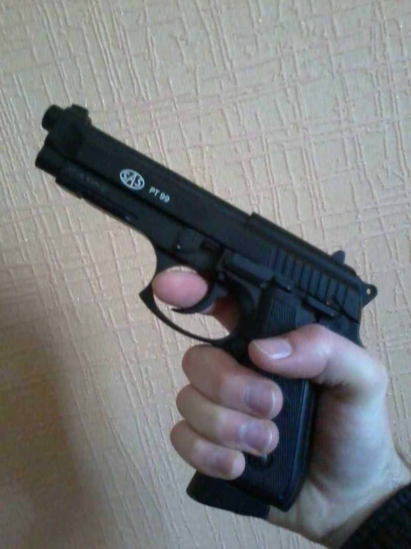 1)Беретта от SAS.