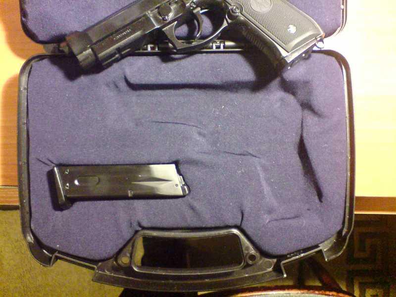 16)Пистолетные кейсы