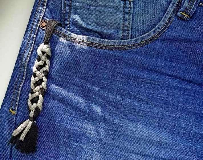 10)Темляк для вашего стального спутника - своими руками.