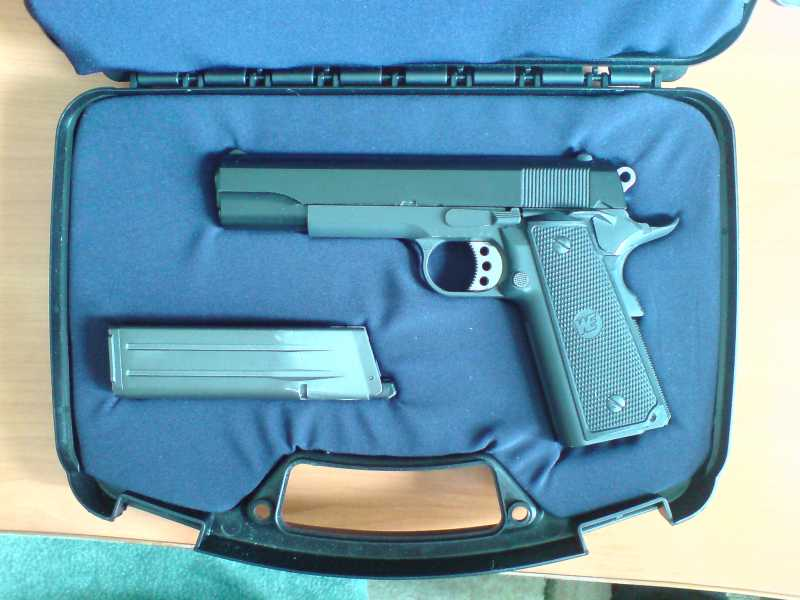 20)Пистолетные кейсы