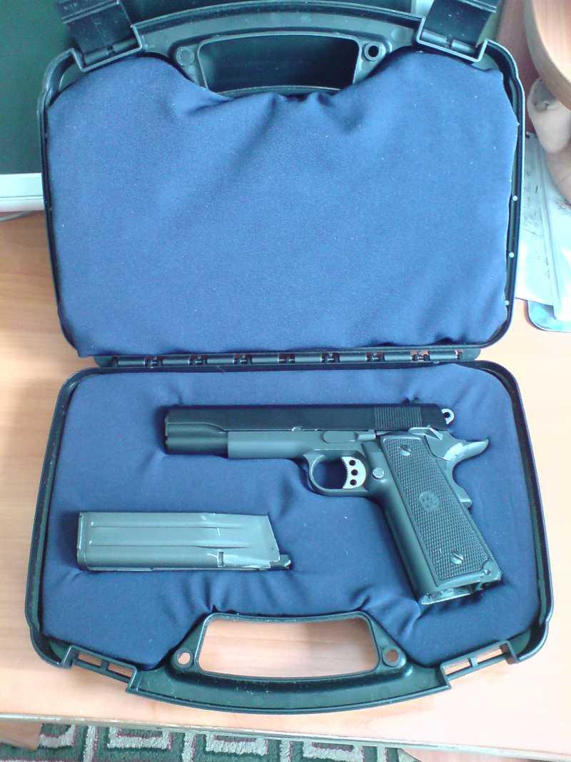 21)Пистолетные кейсы