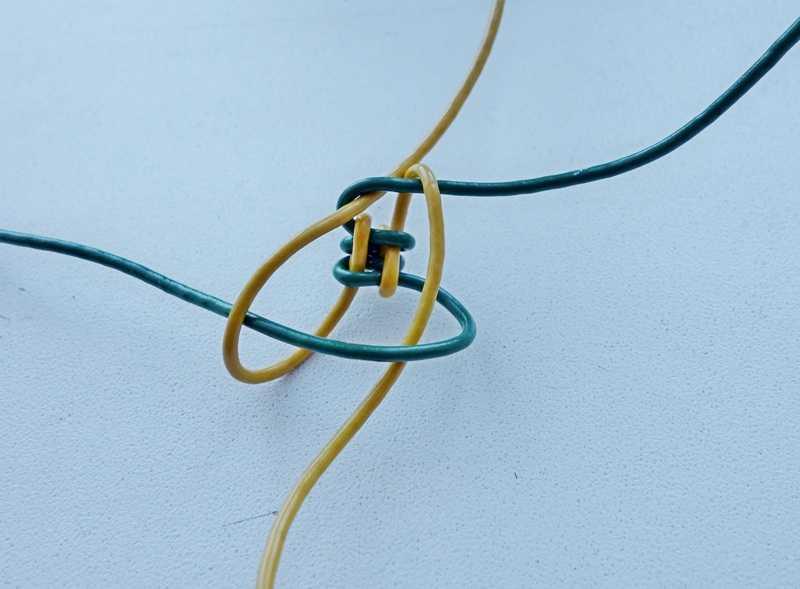 4)Некоторые особенности плетения темляков.