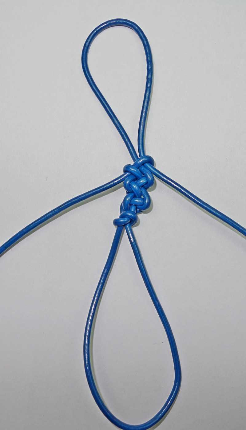 22)Некоторые особенности плетения темляков.