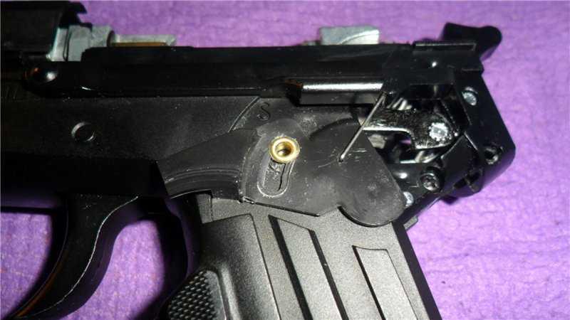 4)Обзор на Пневматический пистолет Gletcher SS 2202 металл