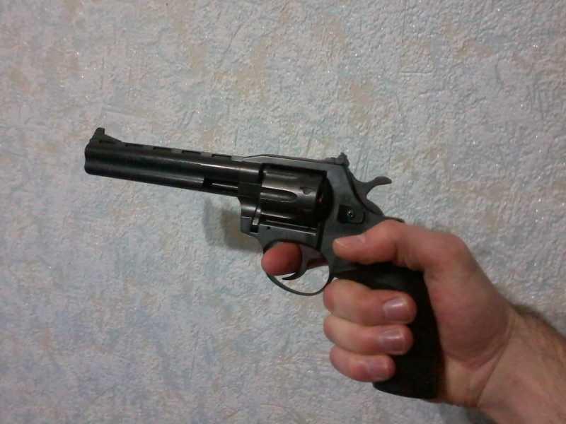 2)Super Magnum от Сафари.