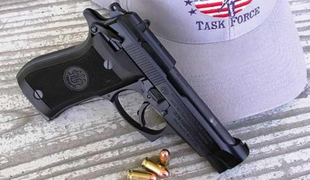 1)Umarex Beretta 84 FS. Пожалуй, лучший из блоубеков.