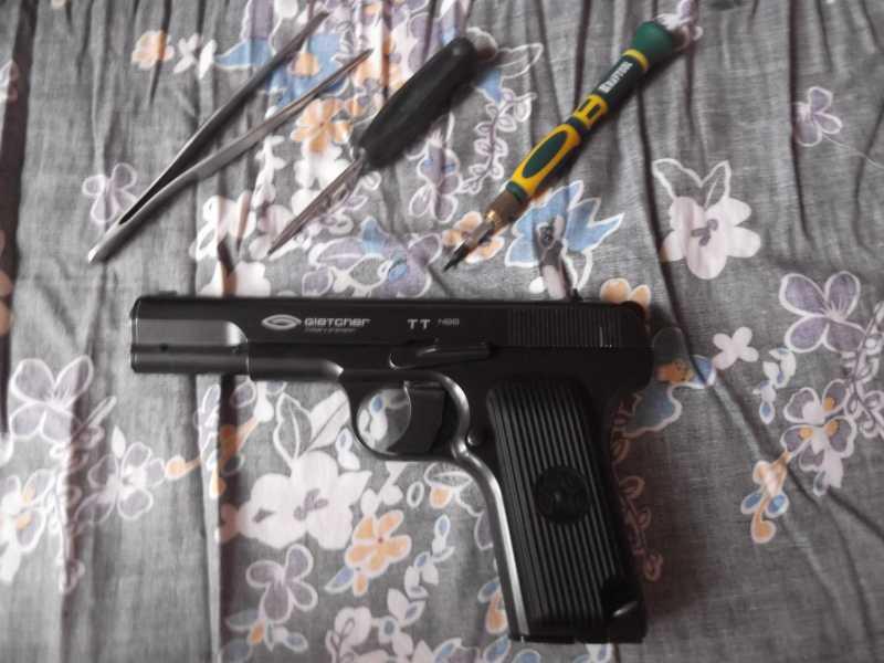 1)Полная/неполная разборка пистолета Gletcher TT NBB