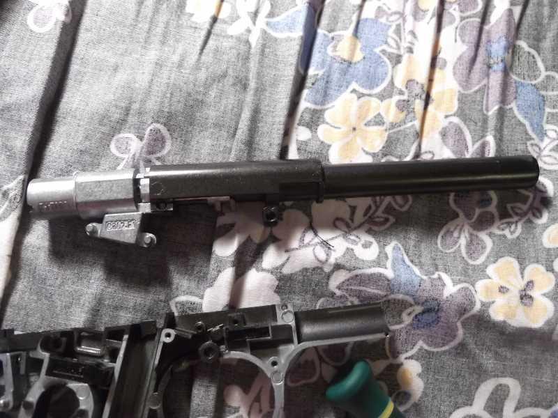 19)Полная/неполная разборка пистолета Gletcher TT NBB