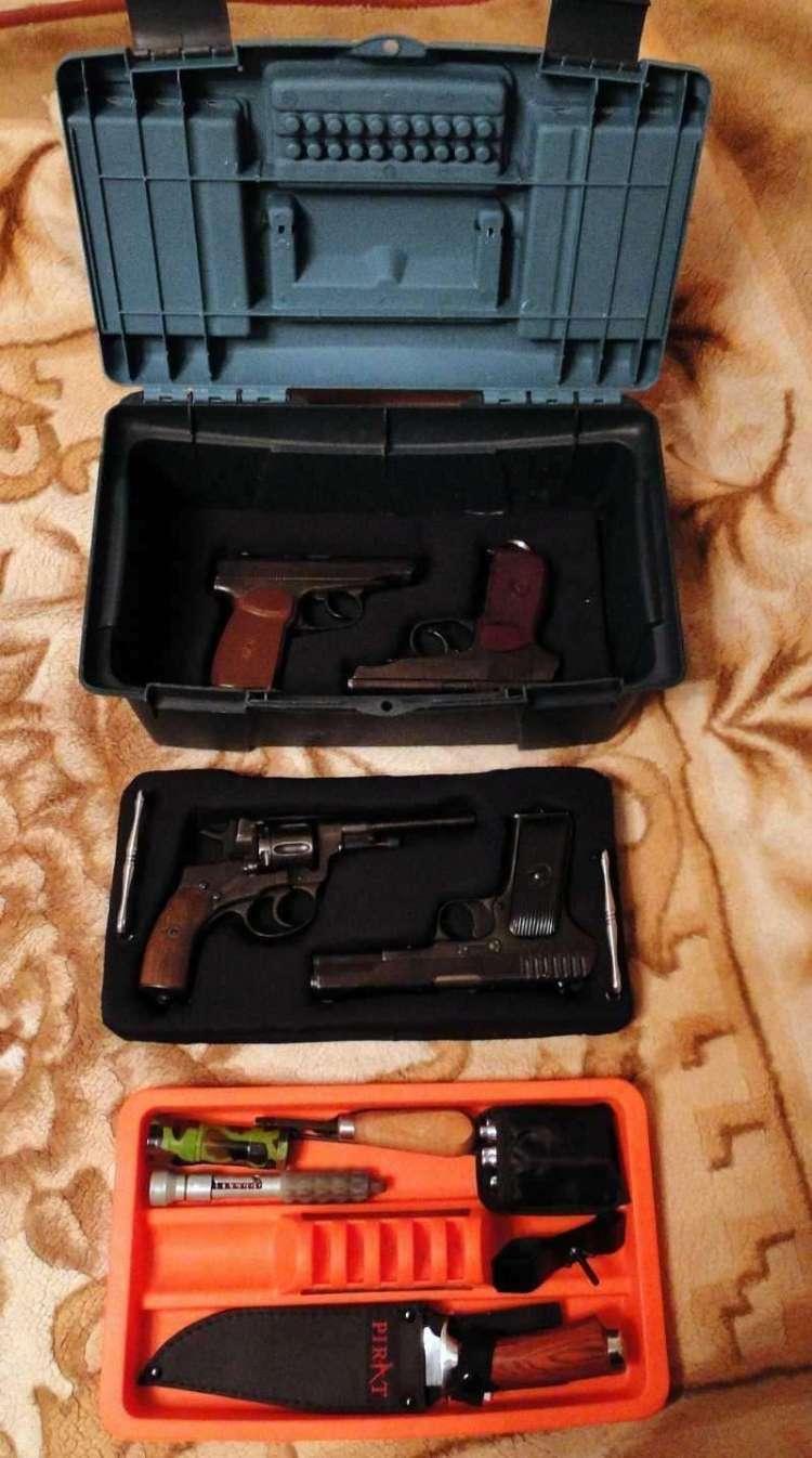 8)Кейс для 4-х пистолетов своими руками.