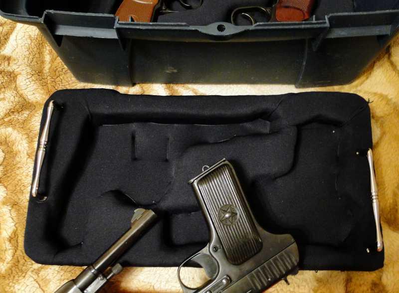 10)Кейс для 4-х пистолетов своими руками.