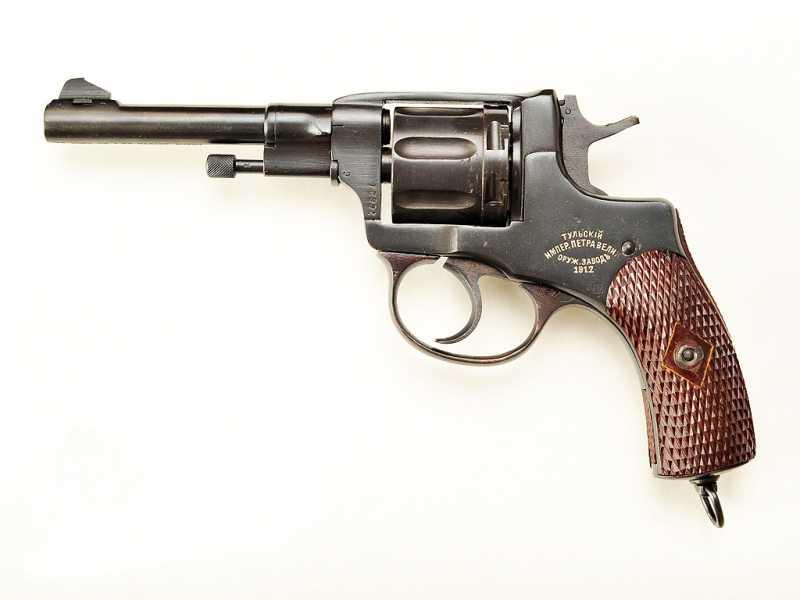 1)Часть 1. Чем отличаются пистолеты, пистолеты - пулемёты разных стран, чьё оружие наиболее эффективно? А поговорим мы о тех, которые использовались во время второй мировой войны.