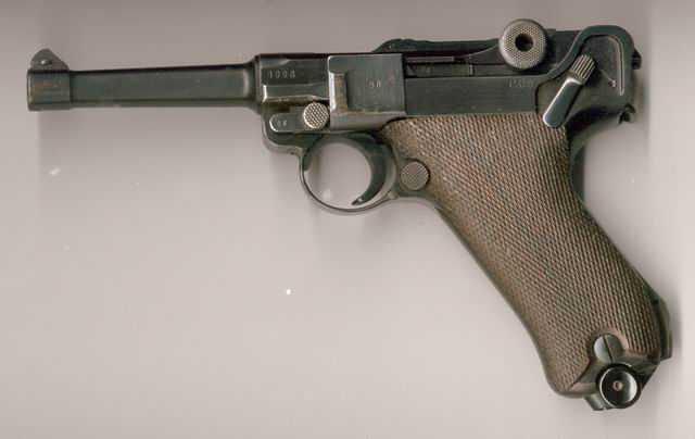 3)Часть 1. Чем отличаются пистолеты, пистолеты - пулемёты разных стран, чьё оружие наиболее эффективно? А поговорим мы о тех, которые использовались во время второй мировой войны.