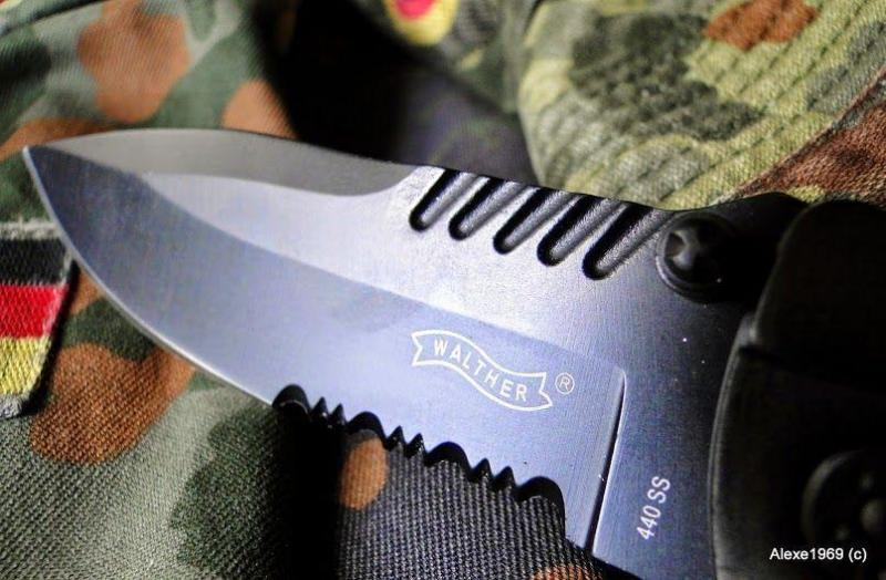 4)Складной нож WALTHER BLACK TAC - фотообзор.