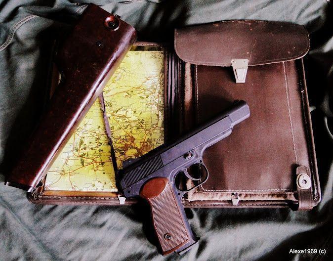 10)Пневматический пистолет Gletcher APS-P с кобурой - фотообзор.
