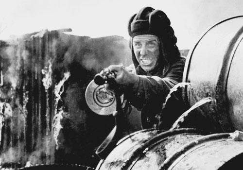 3)Пистолеты-пулеметы времён Великой Отечественной войны в киноиндустрии