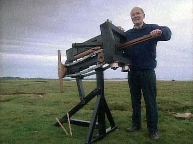 2)Римский полибол — первое автоматическое оружие.